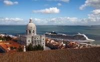 3-Lisbon_Alfama_View_Tours_Castle