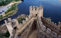 3-Almourol_Castle_tours_tomar