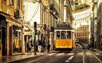 4-Lisbon_Downtown_Tram_28
